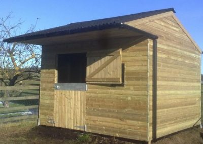 Single mobile timber stable Yorkshire